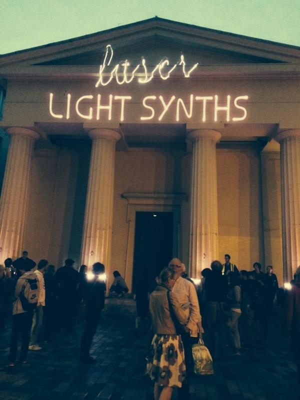 Laser light synths is about to start, head down to New Road #events http://t.co/sAQ6PQuW0v