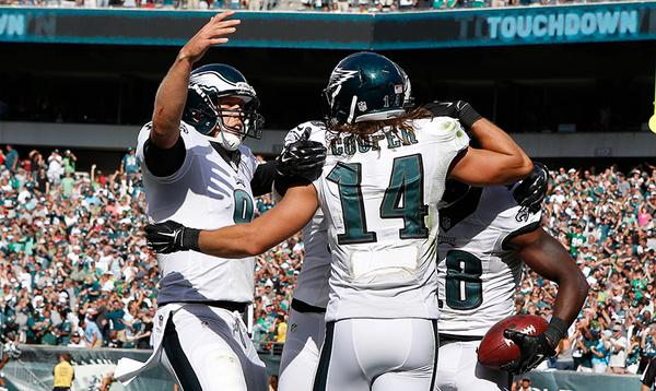 Time to celebrate at @LFFStadium! #Eagles defeat Jacksonville 34-17. #FlyEaglesFly http://t.co/epTqH0oLPH