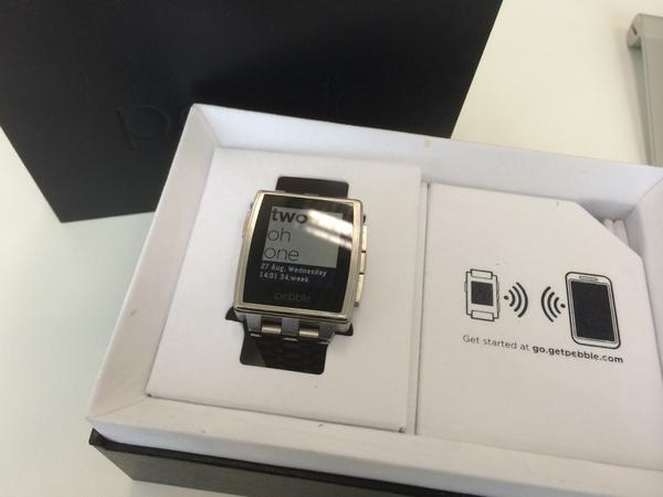 For sale: almost new Pebble Steel, stainless still color. RM 500. Any takers? http://t.co/y1Gt0Anauh