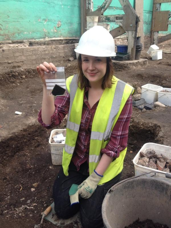 She's made a good start too, having found a large fragment of #medieval window glass. @Bellini___ http://t.co/yaLy3AMPP5