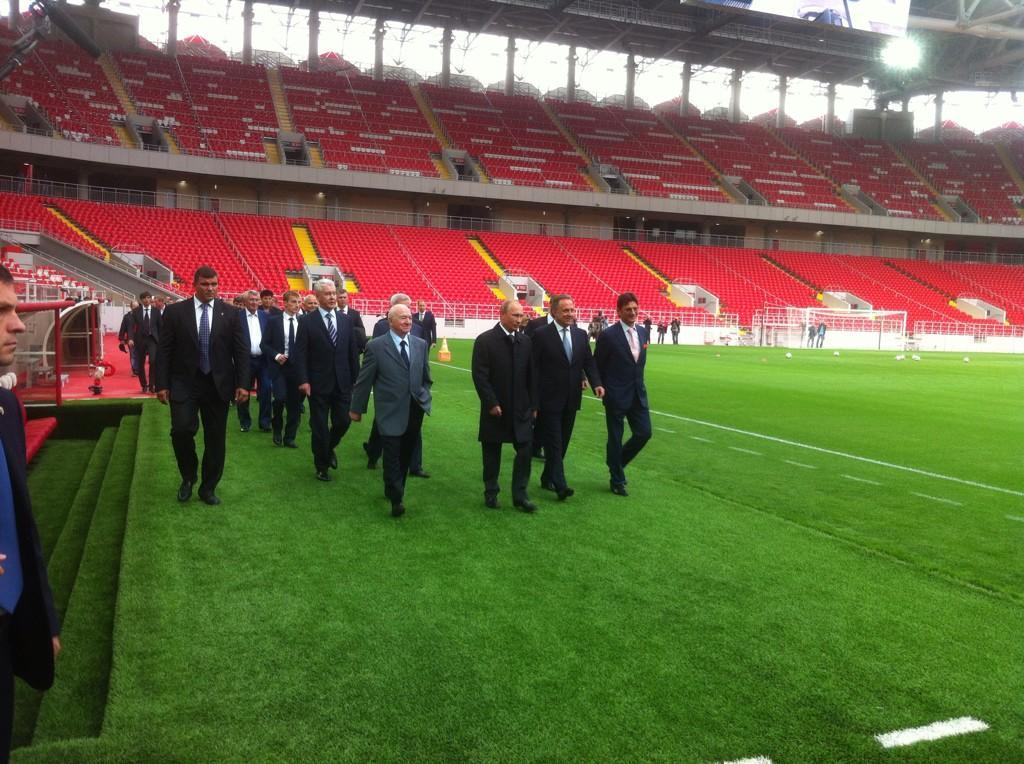 Путин на вертолете стадион спартак