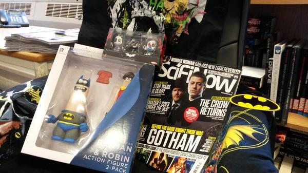 The new #Gotham issue of SciFiNow is in shops now! RT & follow @SciFiNow to win these #Batman goodies! http://t.co/qgvRFa2sAv