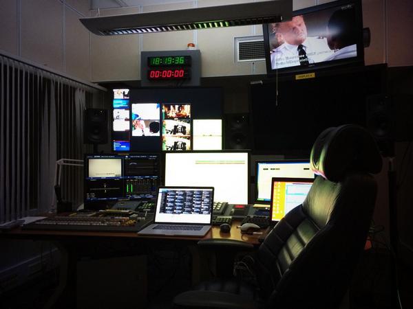 Sain hulppeat tilat illaksi käyttöön @MTVSuomi-lähetysyksiköstä. On aika kytkeytyä järjestelmään ja testata. #uusiMTV http://t.co/bBJJbuLSit