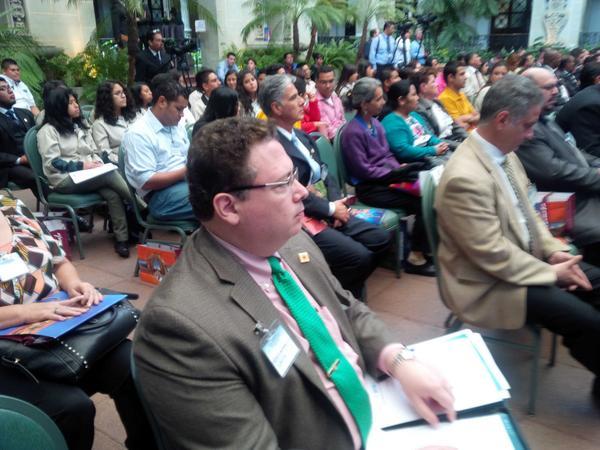 Guillermo Valle, nuevo Presidente del PINU, presente en el Foro de Turismo del Parlacen en Guatemala http://t.co/0gEgu30jIp