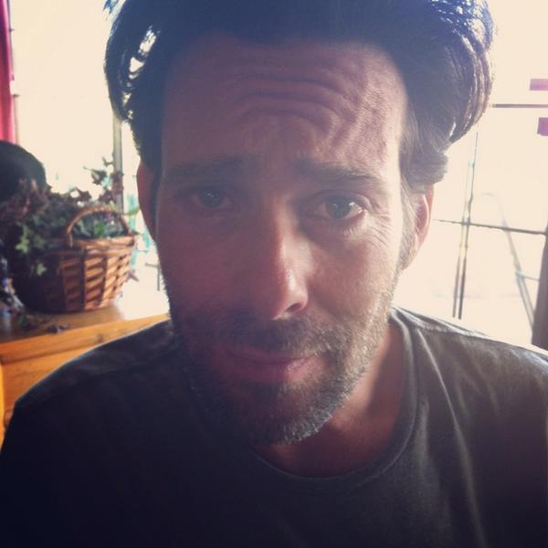 @jamescallis on the set of #housebythelake http://t.co/KJ8jCR67uS