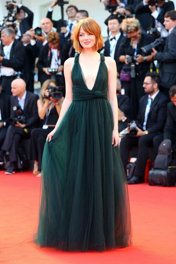 Full shot of the Valentino Couture dress Emma wore to the #Birdman premiere in Venice. just. breathtaking. #emmastone http://t.co/N9FIavdcG4