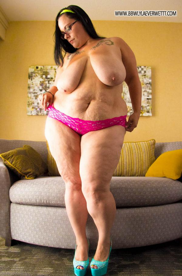 Bbw eliza allure plays with a cock before getting fucked 5