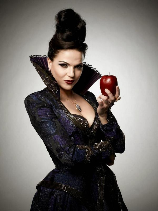 Lana Parrilla Spain On Twitter Who Is Better Evil Queen