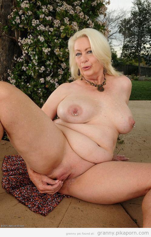 фото голых бабушек онлайн