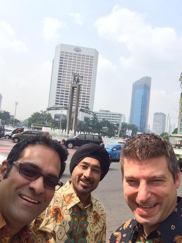 Terima kasih atas sambutannya, Indonesia! Saya di Jakarta hari ini dan Twitter akan segera buka kantor resmi di  sini http://t.co/jQXOrbi91a