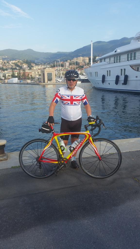 Ready at 9.00 for the Sanremo to St Tropez ride http://t.co/jdQEk5uA6F