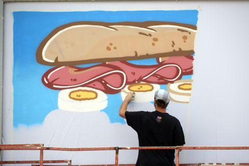 Greggs used a #FreshBillboard to launch its new sandwich range - find out more: http://t.co/zZFnSh0T1c #advertising http://t.co/AisvExtopB