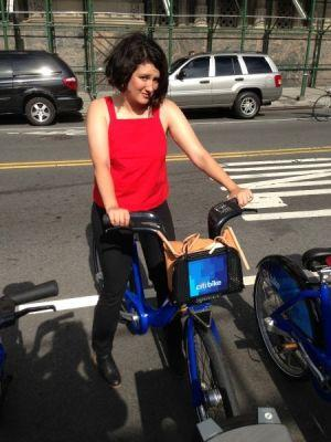 10 tips and tricks for using Citi Bike during #NYFW: http://t.co/eSikY8oYBC http://t.co/GeyeB7StLY