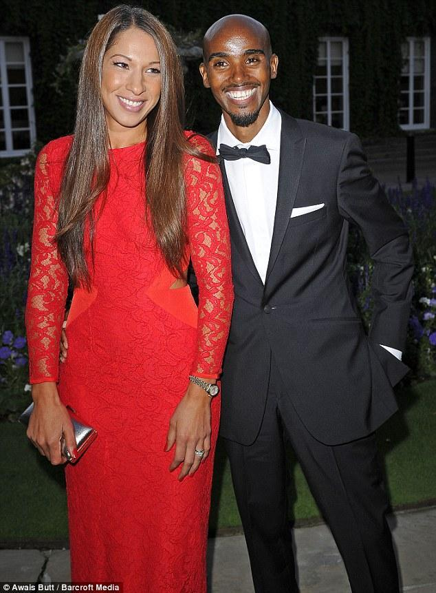 .Me and the wife at our charity ball last night!!! Thanks to everyone who came!! @FarahFoundation #ANightofChampions http://t.co/a9OB07wJNJ