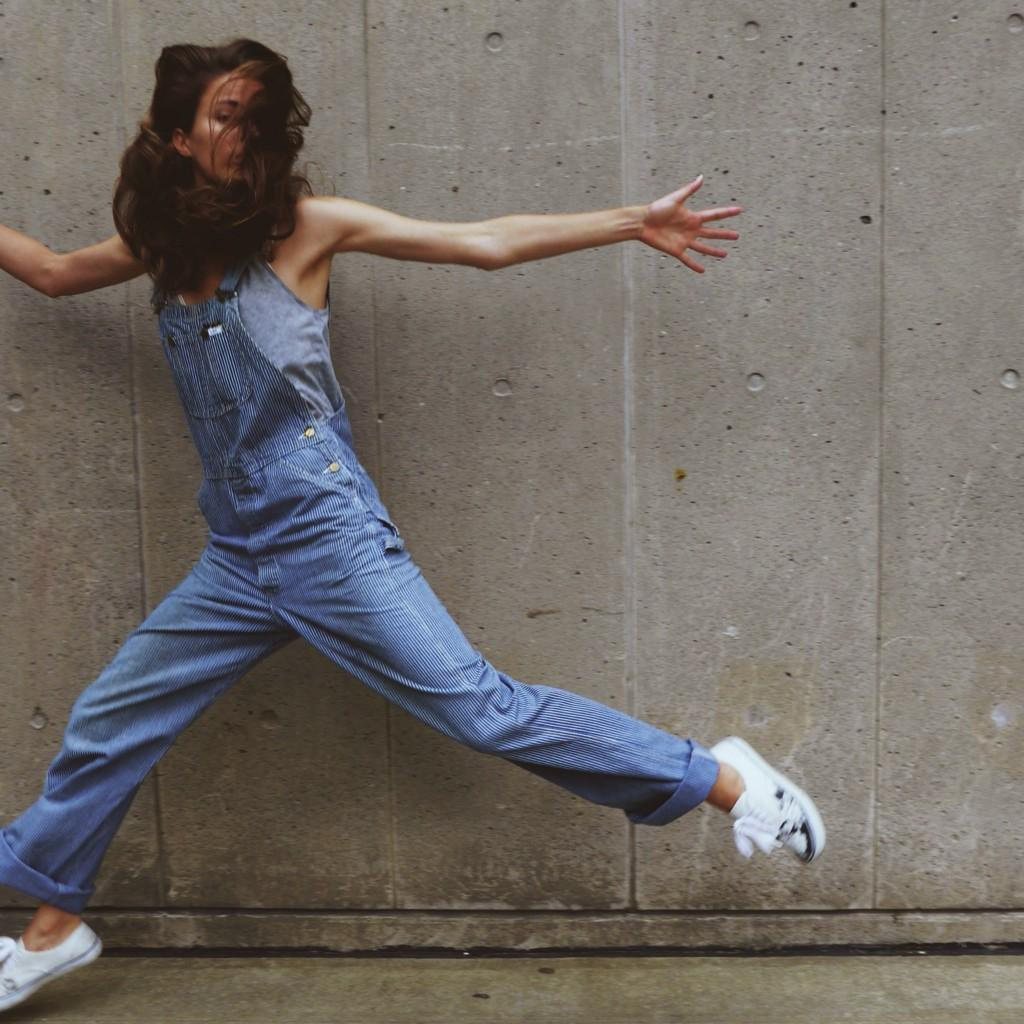 Because everyone should own a pair of #overalls! #NotNewChallenge show me your best 2nd hand looks !! http://t.co/MLqeqyHLtZ