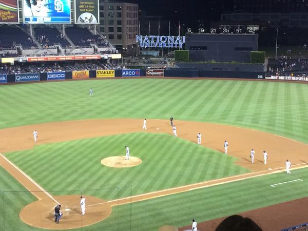 I love baseball. RT @dylanohernandez Now, this is a shift. http://t.co/40EVdRZA8L
