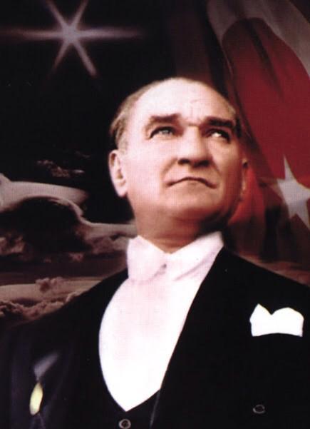 """""""Büyük ölülere matem gerekmez, fikirlerine bağlılık gerekir"""" M. Kemal Atatürk.. 30 Ağustos Zafer Bayramı kutlu olsun http://t.co/3QraUiNIEf"""