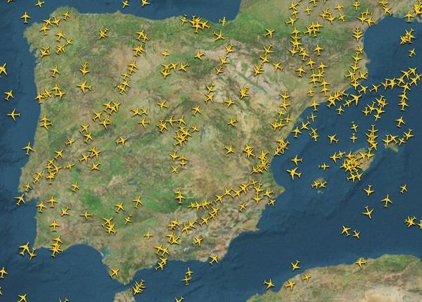 Retrasos y cancelaciones en aeropuertos españoles por la caída del sistema de radares en Madrid