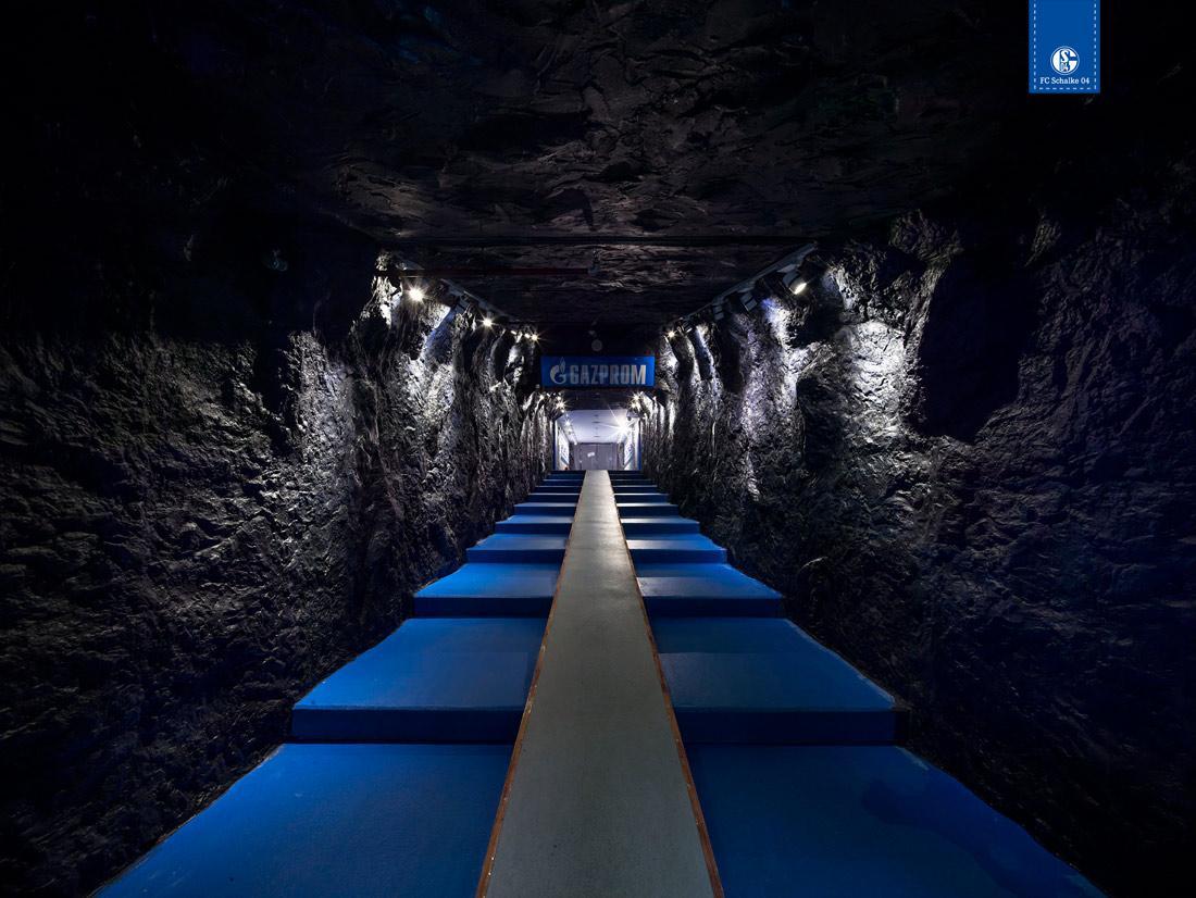 Schalke Spielertunnel