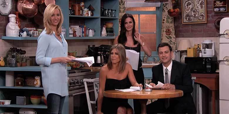 Jimmy Kimmel Hosts A Mini 'Friends' Reunion With Jennifer Aniston, Courteney Cox And Lis... http://t.co/OQxpHkvPRD http://t.co/2n24eUqIof