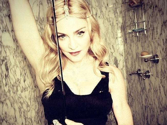 Madonna song slams 'copycat' Gaga | http://t.co/bvscQ7oQCf- Hot Hollywood Celebrity Gossip http://t.co/iFNLt3x1Jt http://t.co/wF1LdYYfvg