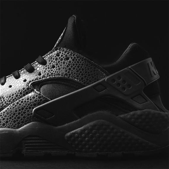 "6783fcf2ed2ea "" SneakerShouts  The Nike Air Huarache ""Black Safari"" will drop in the UK  first. pic.twitter.com iWQg3Vv4LD"""