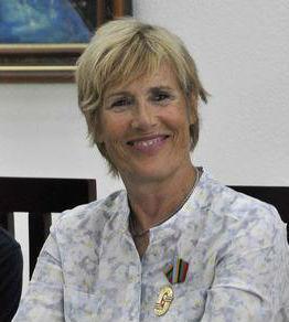 Condecoran en Cuba a nadadora estadounidense Diana Nyad