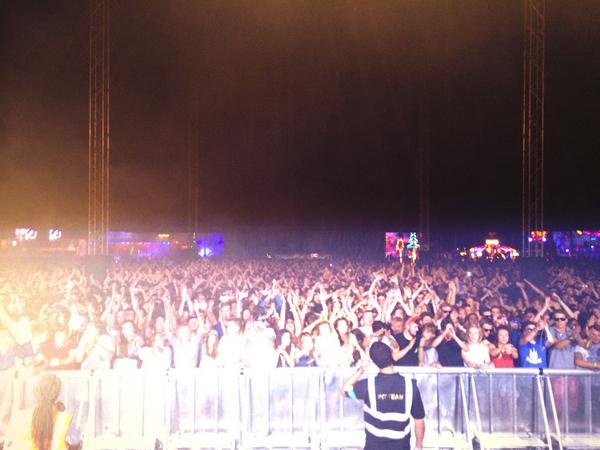 Big love to @SundownUK .@RAMrecordsltd stage was nuts!! @EMCEEGQ smashing...we went innnnn...so much vibes