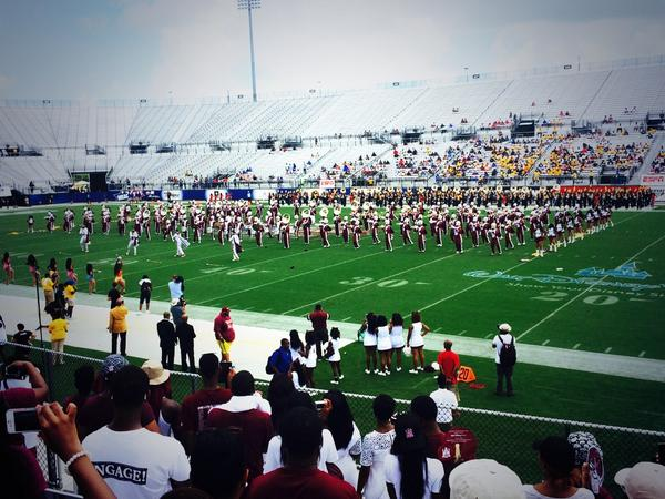 Shoutout to the band tho! They had us rocking! #AAMU http://t.co/jo9zTH4MKn