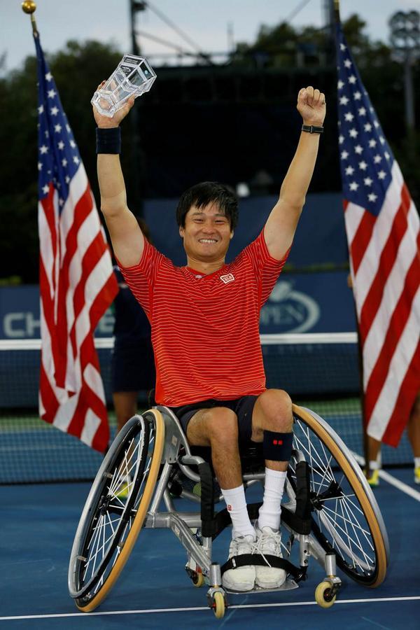 ユニクログローバルブランドアンバサダーの国枝慎吾選手が、全米オープン車いすテニスの部ダブルス、シングルス共に優勝を果たしました!この勝利で、2014年のテニス4大大会シングルス制覇の快挙を成し遂げました。おめでとうございます! http://t.co/7ZgQB0BZp5