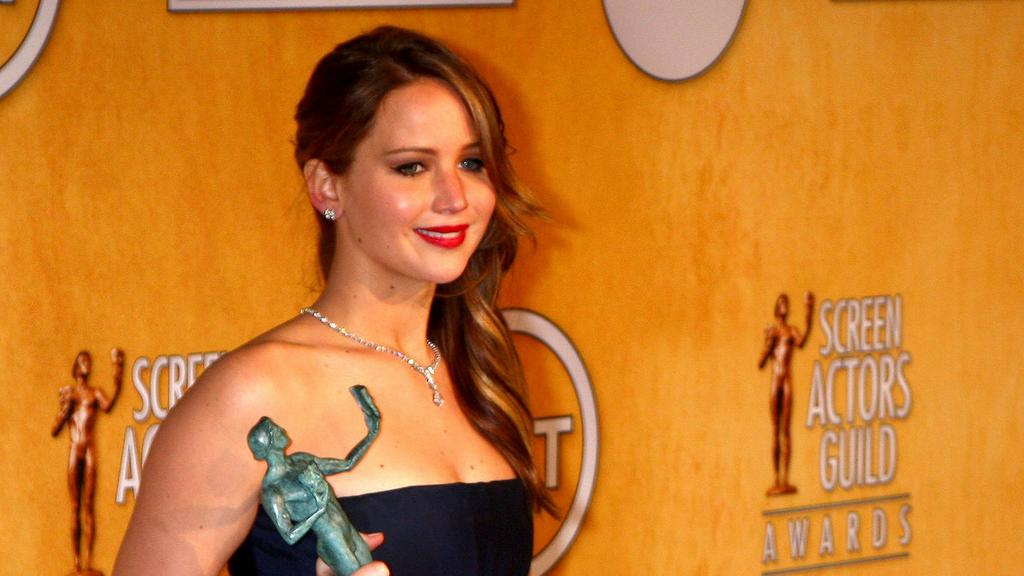 Hundreds of nude celebrity photos leaked in reported iCloud hack http://t.co/BJA1T2hC6z http://t.co/xQ1zS4j9E1