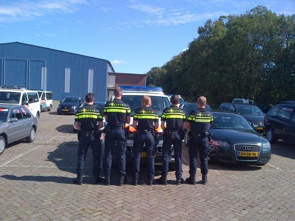 Agenten krijgen nieuw uniform