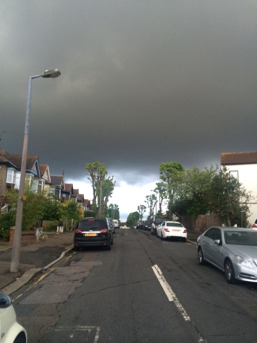 Think it's going to rain http://t.co/yhPV9ungBC