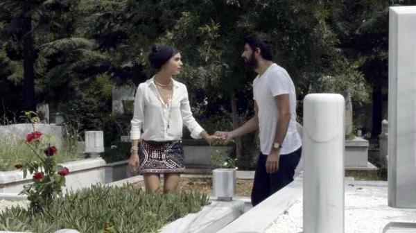 Грязные деньги и любовь / Kara Para Aşk (2014, Турция) - Страница 19 BwdqsCICUAAeQdP