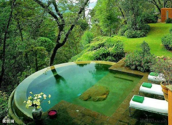 Ok @terrinakamura i had to share this pic from FB post cause i love this backyard! #dreampool http://t.co/SZ4MOvhDa7