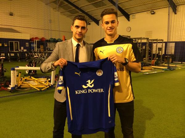 James Grant sports player @TomLawrence99 signs for #Lcfc on a four year contract from #Mufc http://t.co/VztTSdZKe6