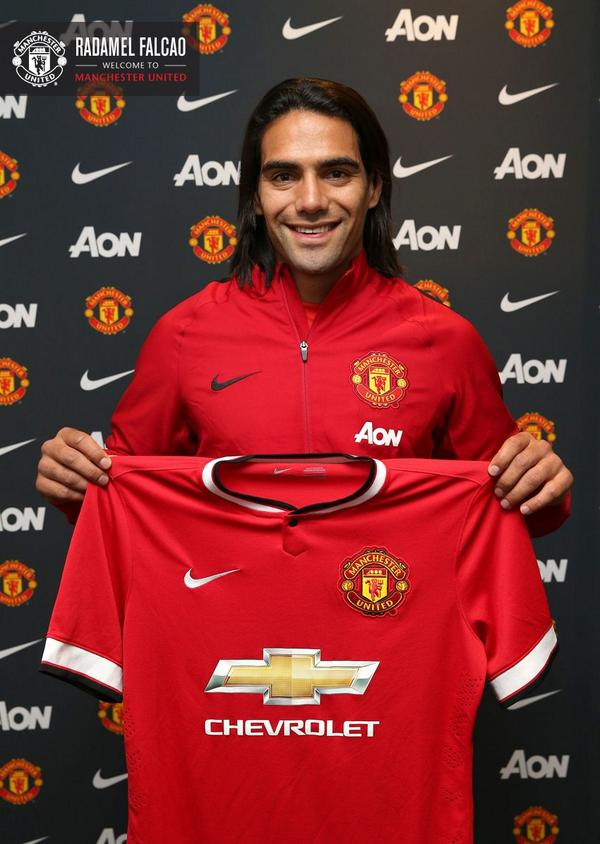 Welcome @FALCAO to #MUFC! http://t.co/dAxLMXERY1 http://t.co/CVpIbchxjd