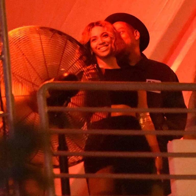 Tag a hater: Recent photo evidence that Bey and Jay are still totally ~in love~   http://t.co/QAbBoq6MOq http://t.co/GzTfvyp5W6