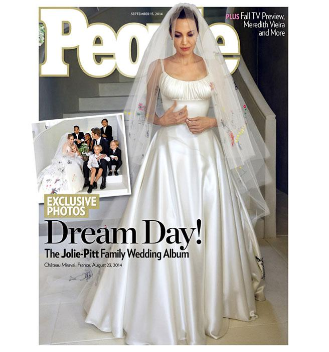 This is the front of Angelina Jolie's wedding dress..but you MUST see the back: http://t.co/gtSIa19nSz http://t.co/y9jymdsQbv