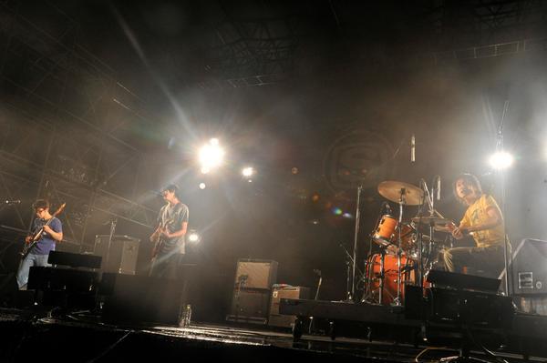 【andymori】いつも応援してくださっている皆様へ。緊急決定!10/15(水)  日本武道館「andymori ラストライブ」開催のお知らせ。 http://t.co/d33JvueCHq   http://t.co/iwLCWohXHX