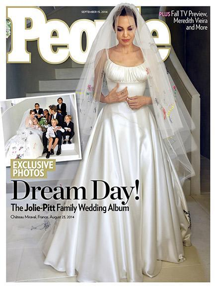 Angelina Jolie's Atelier @Versace wedding gown http://t.co/oRGzLPFAQY
