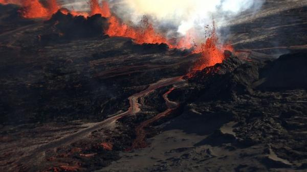 No, this is not #VFX from #lotr,this is reality in #Iceland today. http://t.co/H1ndT3bPhV #bardarbunga #ashtag #ttot http://t.co/oQyYX2LSmb