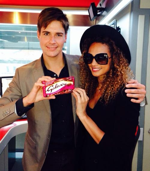 RT @Popprince: Great to see @AleshaOfficial talking about (Galaxy)RED's Make Lives Better Campaign-special edition bars are out now http://…
