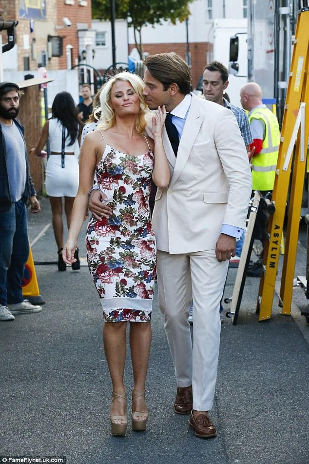 RT @TowieFanBasexo: @Daniarmstrong88 & @JamesLockie86 Filming for #TOWIE Advert 💜 http://t.co/beVIwfRuGr