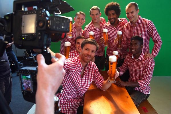 Why @XabiAlonso left Real! MT @Bundesliga_EN @FCBayernEN stars practice before #Oktoberfest  http://t.co/yb6Aex6Axh  http://t.co/fS02wrdpZW