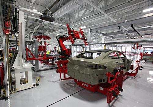 .@TeslaMotors Dealing As States Play Factory Poker ... http://t.co/f7o3Tkma3T http://t.co/Ee6nObqcxh