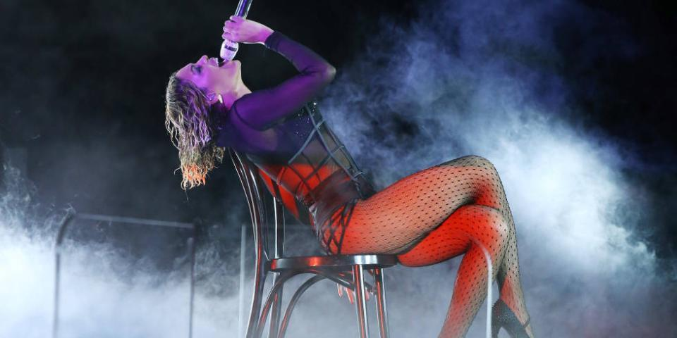 The 16 kinds of chairs you sex on. Ranked. http://t.co/HsvCgy0xip http://t.co/KWQywyPRrx