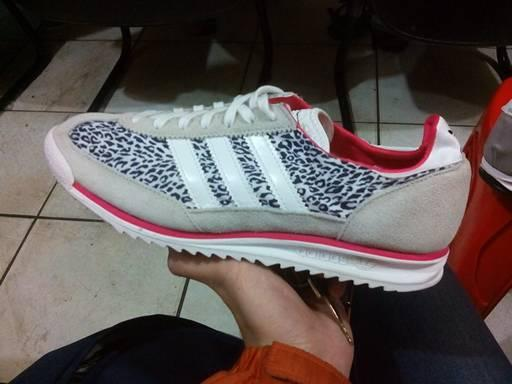 Adidas SL72 Leopard size 41 BNIB 500rb