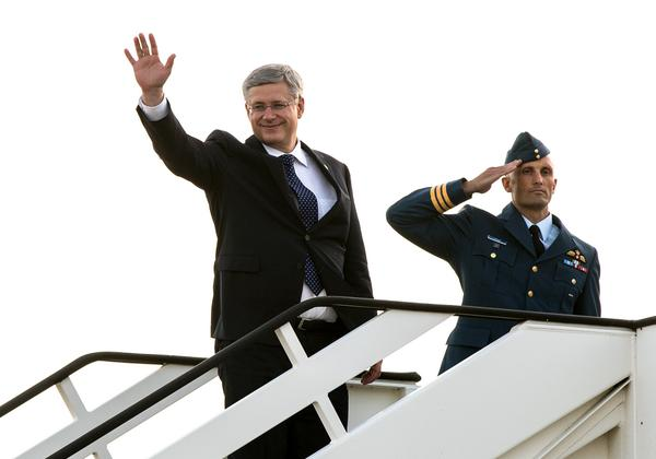 Wheels up, en route to Wales for the #NATOSummit2014 #cdnpoli http://t.co/SlTlSPN0Ry