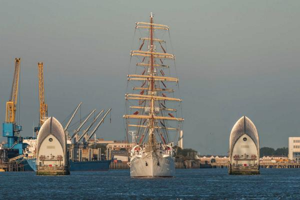 amazing to see the ships arriving today for the Tall Ships festival @Royal_Greenwich http://t.co/2wDPUZp1DQ